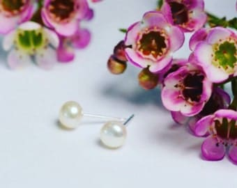 Small Pearl Studs, Bridesmaids Gift, pearl studs 4.5mm