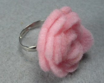 Pink Flower Ring - Pink Rose Ring -Felt Flower -Felt Ring -Adjustable Ring -Artificial Flower -Fake Flower -Flower Jewelry -Felt Jewelry