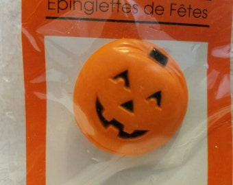 Vintage Pumpkin Halloween Pin
