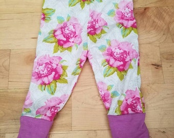 Pink floral baby leggings, pink floral baby leggings, vintage baby leggings, handmade floral baby leggings, amberlaurenboutique