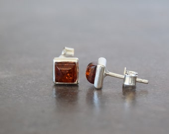 Simple earrings with silver Baltic amber