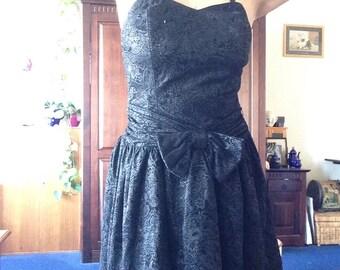 Lovely totally rad 1980s glitter black prom dress M-L