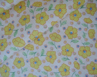 """Half Yard of 2015 Lecien Retro 30's Daisies Fabric in Yellow. Approx. 18"""" x 44"""" Made in Japan"""