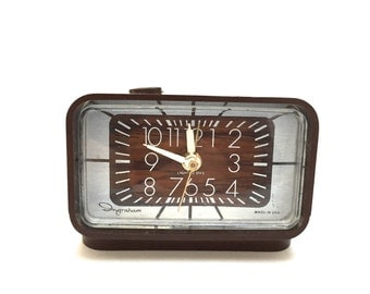 Ingraham Electric Clock - Brown/Faux Wood Ingraham Clock