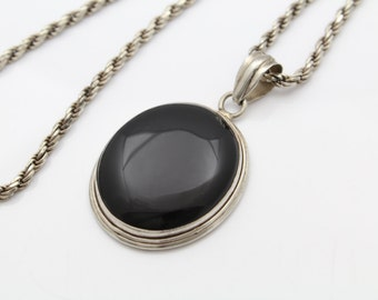 Large Sterling Silver and Oval Black Onyx Necklace with Heavy Chain. [7318]