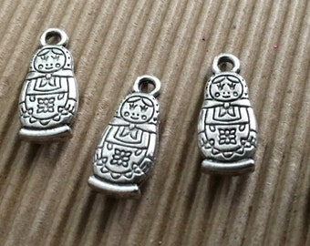 Babushka Doll Charms x 10 Silver Pendant Finding 15mm Scrapbooking Weddings Invitations Jewellery F147