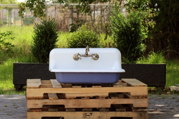 High Back Farmhouse Sink : 1941 Refinished 30