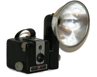 Kodak Brownie Hawkeye Camera Flash Model - With Flash Unit No Bulb - Vintage Camera - Vintage Photography - Retro Camera - Collectible