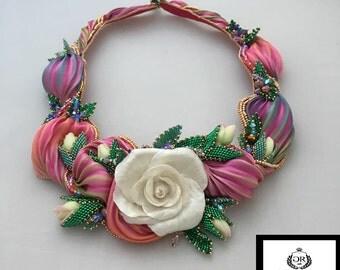 Necklace romantique