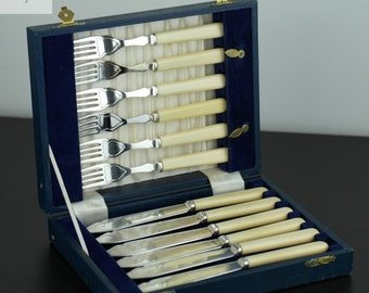 Vintage silver plated set of six forks & knifes Sheffield EPNS Boxed