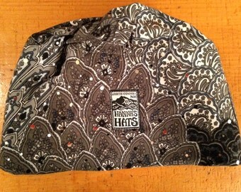 M/L Fleece Lined Hat in Grey Print with Sequins