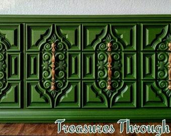 Hollywood Regency Nine-Drawer Dresser