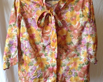 Shirt / Blouse vintage, flowers, 1/2 Sleeve printing, Sybil, T 44.