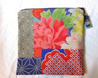 20cm Origami-shaped Chirimen Zipper Pouch - made with vintage silk Japanese kimono fabric