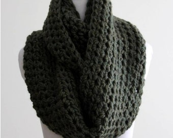Chunky infinity scarf, hand knit scarf, Deep green scarf, Camel winter scarf,  soft and cozy scarf, chunky scarf, winter knit scarf