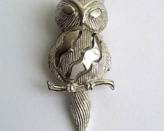 Beautiful Vintage Signed Crown Trifari Silver Tone Owl Pin Brooch