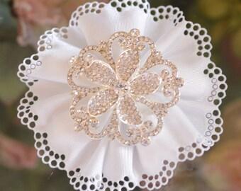Confetti Flower with Rhinestone brooch, Almond Favors, Wedding Favors Bomboniere