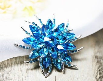 BLUE Crystal Brooch FLOWER Pin Rhinestone Brooch Wedding Brooch Wedding Favor Bouquet Brooch Pin Wedding Supplies Cake Decoration Bridal Pin