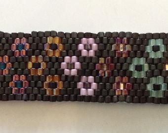 Daisy Garden Peyote Stitch Beaded Bracelet