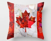 Canada Goose' In A Canada Toque Throw Pillow - Indoor Cover (16 x