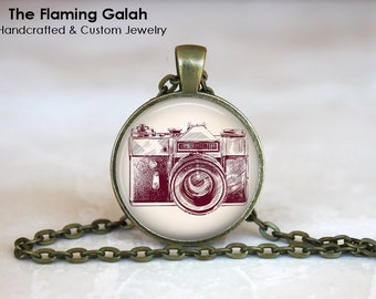 Vintage Camera Pendant. Photography Photographer.  Necklace /Key Ring. Gift Under 20. Handmade in Australia (P0799)