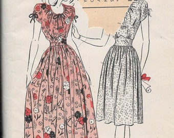 """Vintage 1940s Butterick Sewing Pattern 3493 - Misses' Graduation and Party Frock size 16 bust 34"""""""