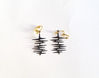"Vintage ""Black Lightning"" Clip On Earrings"