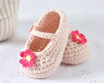 CROCHET PATTERN Baby Shoes Mary Janes Crochet Pattern in 3 sizes Instant Download Photo Tutorial Crochet Baby Shoes Pattern
