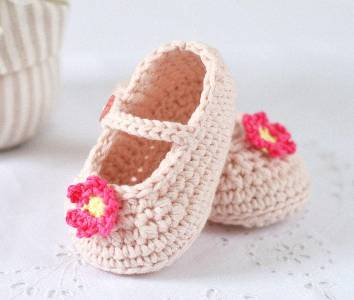 CROCHET PATTERN Baby Shoes Mary Janes Crochet Pattern in 3