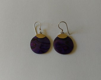 Handmade Solid 925 Sterling silver and NZ paua shell earring.