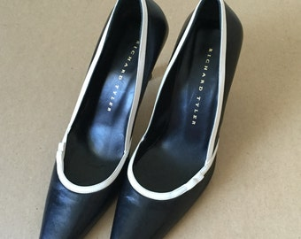 Vintage 90s pump, black leather