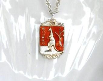 kangaroo necklace, australia necklace, vintage australian necklace