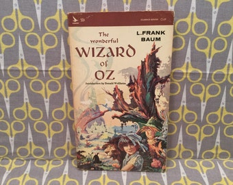 The Wonderful Wizard of Oz by L. Frank Baum paperback Book