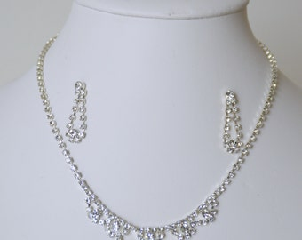 Ornament necklace, earrings, transparent Crystal mounted on silver plated (FDPC)