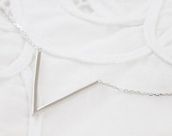 925 Sterling Silver V Pendant Necklace Bridesmaid Gift Bridesmaid Necklace Birthday Gift