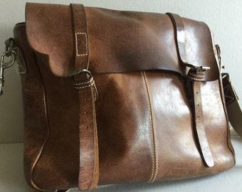 MESSENGER Bag Tan Leather urbaks Barcelona