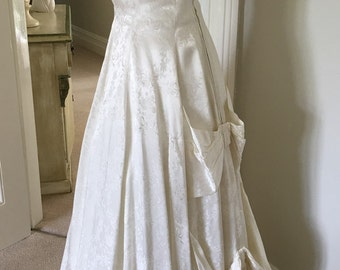 1950s Ivory Bow Vintage Wedding Dress