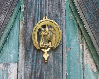 Vintage Brass Horse Door Knocker / Horseshoe Shape surrounds a Well-Sculpted Horse Head