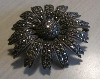 Sterling Silver and Marcasite Daisy Pin