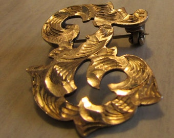 Sterling Silver Ornate Diamond Cut Brooch stamped A.D.V.925