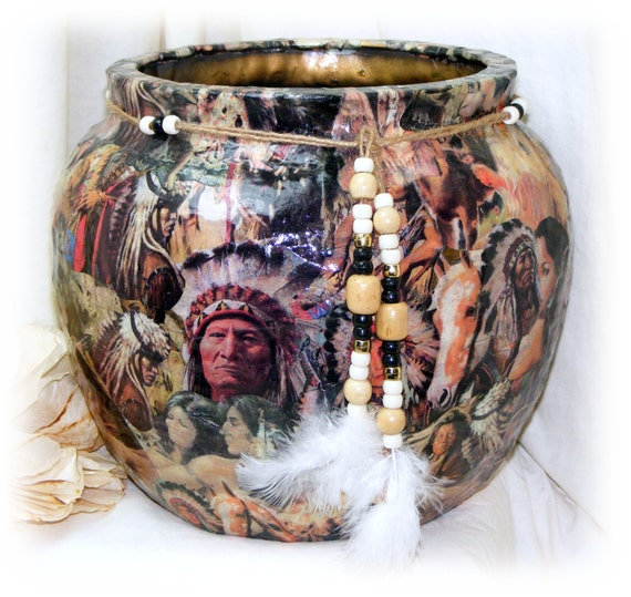 Large AMERICAN INDIAN VASE . . Gorgeous