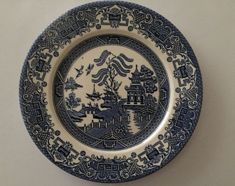 Blue & White 24cm Decorative Dinner Plate