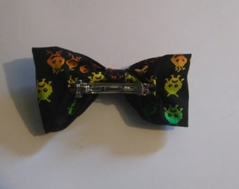 Space Invaders girls hair bow
