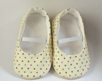 ivory polka dot ballet flats for baby girls. Soft sole baby shoe, crib shoe, pre walkers