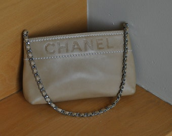 Chanel beige leather zippered pochette - Vintage Chanel evening bag