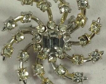 Vintage pin. Rhinestone pin. Swirl pin. Vintage rhinestone pin. Rhinestone brooch. Vintage brooch. Silver pin