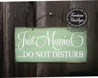 Just Married Do Not Disturb Wedding Sign, just married sign, do not disturb sign, wedding sign, honeymoon gift,  wedding decor, rustic, 122