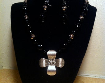 Black and Silver Glass Beads With Large Flower Pendant with Earrings