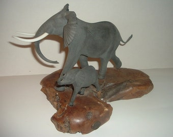 John Perry Elephants Sculpture / Figurine Vase