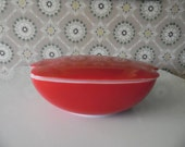 Vintage Red Pyrex Baking Dish with Lid, Square Red 1 1/2 QT Pyrex Casserole Dish